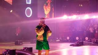 Bad Bunny cantando callaita en vivo FULL HD  Miami Viva Latino