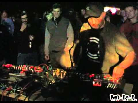 SUBURBASS Live on Frontall NSK Oktekk @ Tekwitch Project in Cz 01 05 2005