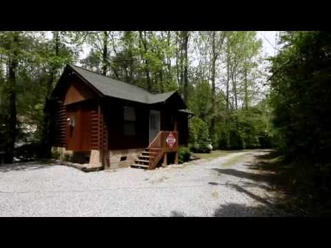"""A Romantic Retreat"" 1 Bedroom Cabin in Pigeon Forge - Cabins USA 2013"