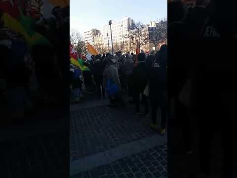 Les femmes #Gabon #RDC #CoteDIvoire #Togo à Paris pour crier #LeRasDeBol du mal fait à l #Afrique -1