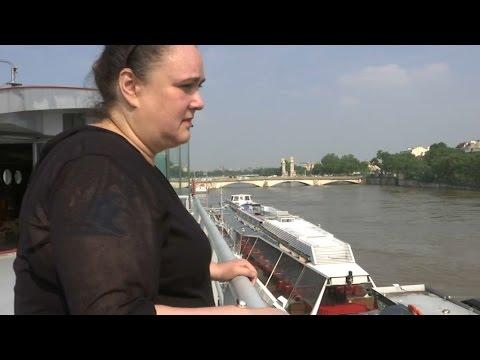 Crues: les bateaux-mouches affichent des pertes colossales
