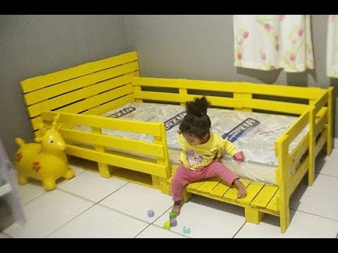 Diy cama de paletes infantil estilo montessori para for Fabrica de camas infantiles