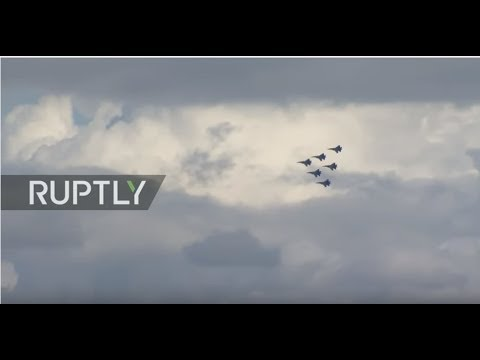 LIVE: 'Army 2017' expo continues with Russian aerobatic team
