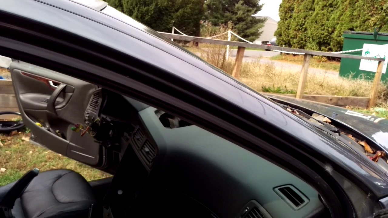 maxresdefault volvo s60 dash removal 2001 07 youtube  at reclaimingppi.co