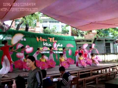 Múa : Việt Nam-Bốn Ngàn Năm Rực Rỡ Gấm Hoa-THPT Trần Cao Vân Quy Nhơn