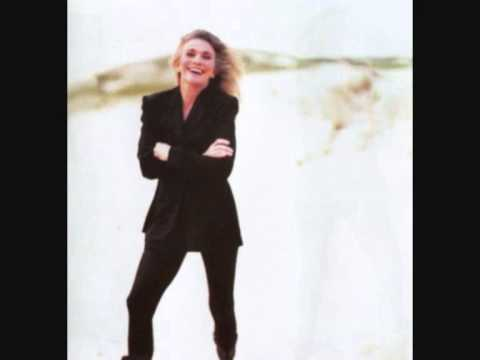 Judy Collins - From A Distance