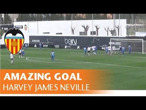 Golazo olímpico del sobrino de Neville con el Valencia infantil