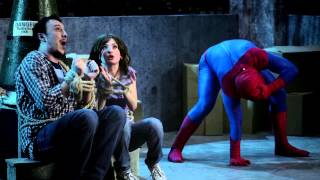 Супергерои. Спайдермен прилип.