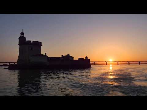 ile d 39 ol ron octobre 2014 coucher de soleil sur le pont et le fort louvois youtube. Black Bedroom Furniture Sets. Home Design Ideas