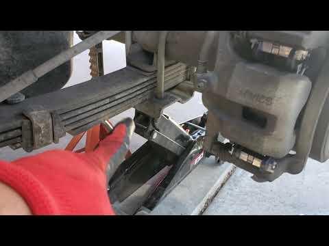 Hummer H3 Rear Brakes Brake Pad Replacement