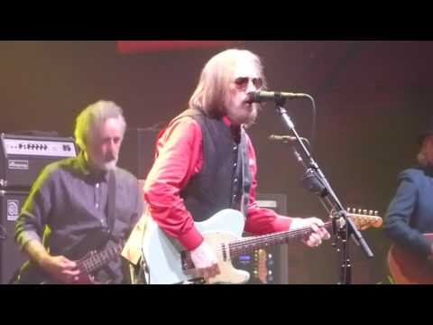 Tom Petty and the Heartbreakers - Forgotten Man (Houston 04.29.17) HD