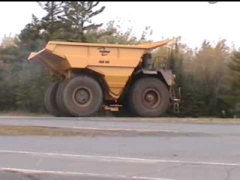 Two lanes wide, tires 13 tall, Caterpillar 793c, now thats a truck!!!!