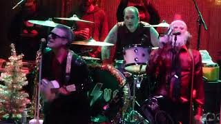 Me First and the Gimme Gimmes - Merry XMAS Everybody - SANTA ANA