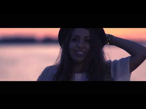 Scaramouche feat. Coral - Je Voyage (Official Music Video)
