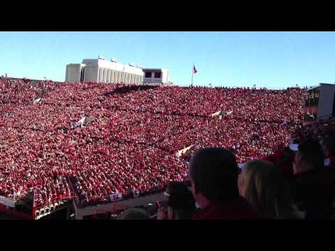 Nebraska Football when the crowd gets bored - slow wave fast weave