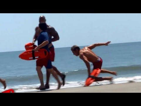 Why Zac Efron's 'Baywatch' Character Can't Run in Slow-Mo