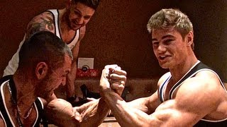Alon Gabbay vs Jeff Seid Arm wrestling