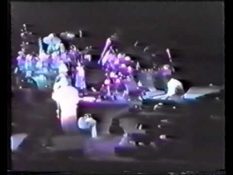 Genesis In Too Deep Live 1986 New York City - Madison Square Garden