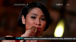 Video Andien - Moving On (Live at Music Everywhere) ** download MP3, 3GP, MP4, WEBM, AVI, FLV Maret 2018