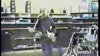 A Fan gives Courtney Love a rare Nirvana tape, April 1994