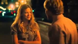 Lea Seydoux in Midnight in Paris - Rain scene