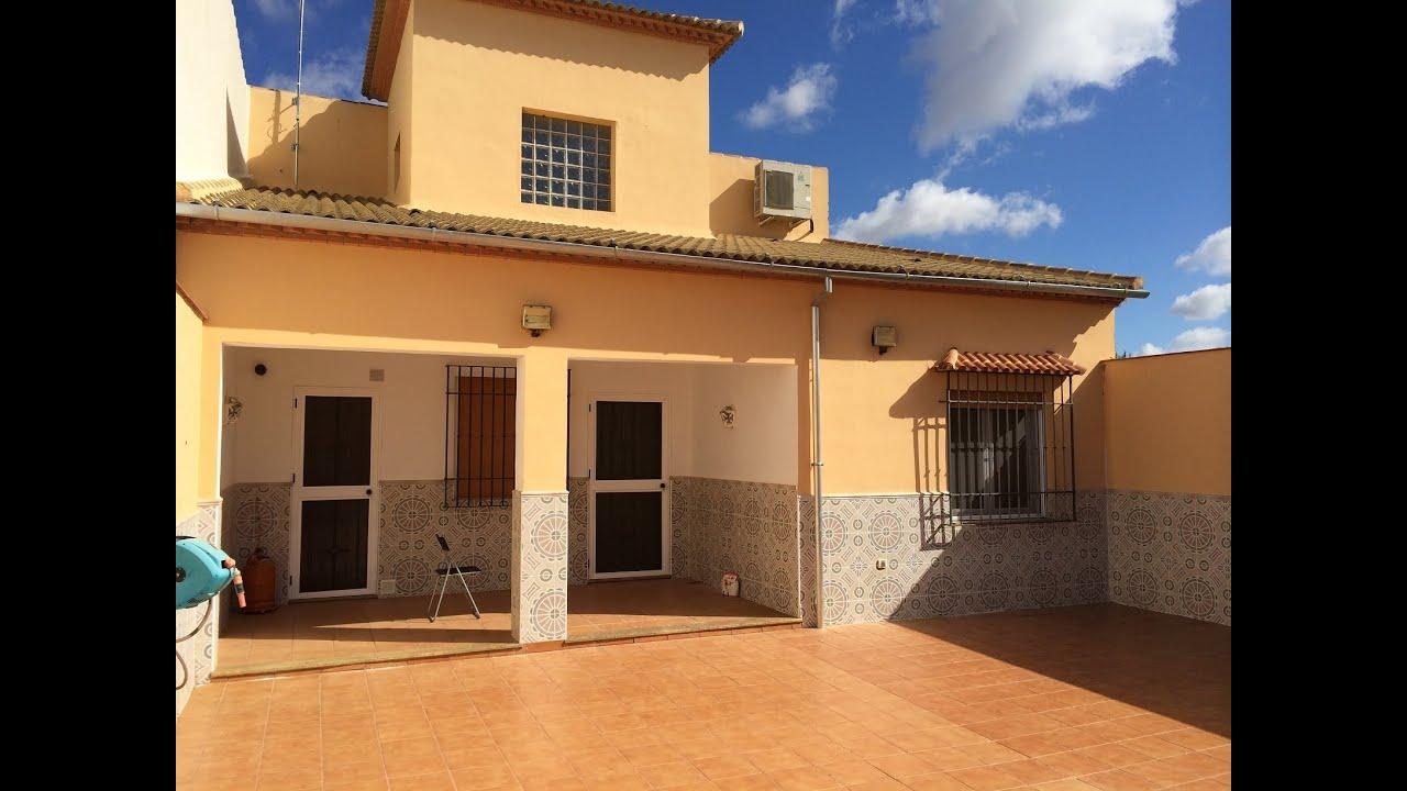Casa de 5 dormitorios y 3 ba os amueblada y con amplio for Modelos de techos para galerias