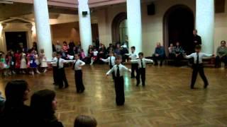 Бальные танцы 2 год обучения 14.11.2013 конкурс на открытом уроке квикстеп
