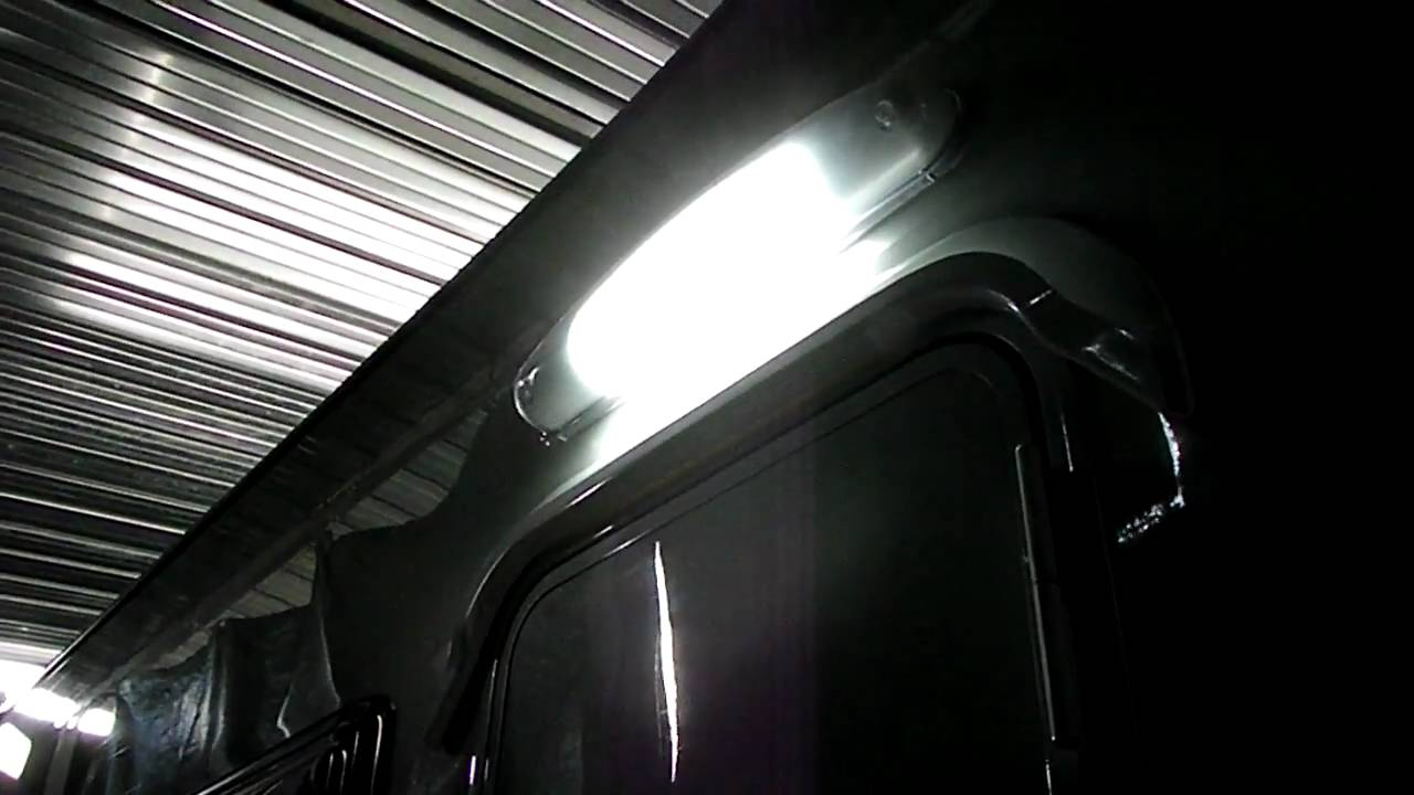 Plafoniere Neon Per Esterno : Funzionamento plafoniera esterna camper da neon a led con
