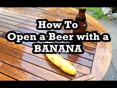 eine bierflasche mit einer banane ffnen da bleibt euch. Black Bedroom Furniture Sets. Home Design Ideas