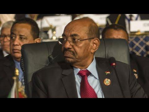 السودان: قرار جمهوري بإعفاء وزير الخارجية من منصبه  - نشر قبل 9 دقيقة