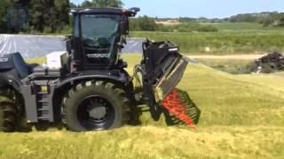 BLACK CLAAS Xerion 5000 mit Schüttfix made by Rehnen