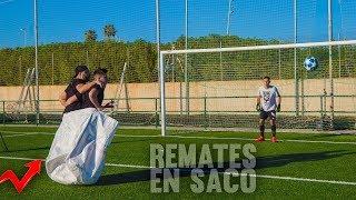 REMATES IMPOSIBLES *PAREJAS en SACO* ¡Retos de Fútbol!