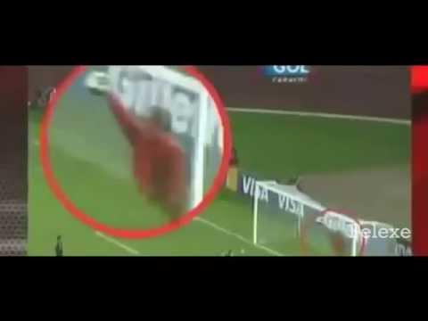 Penampakan Hantu di pertandingan sepak bola  seram  YouTube