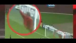 Download Video Penampakan Hantu di pertandingan sepak bola ( seram) MP3 3GP MP4