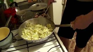 Жарим картошку с яйцом