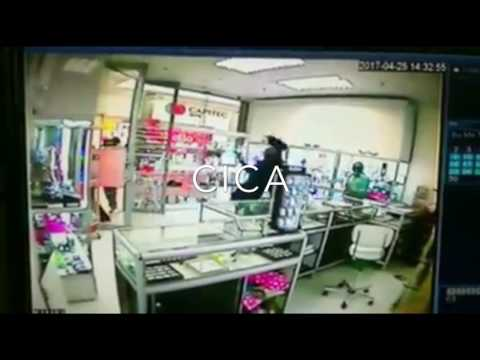 Armed robbers storm jewellery shop in Durban South Africa