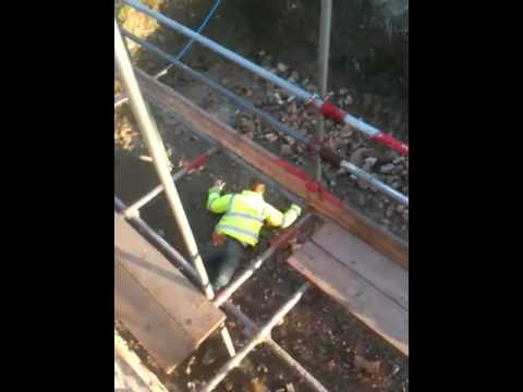 Terrible Scaffolding Accident Youtube