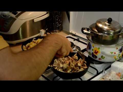 Рецепт Жареная картошка с грибами Очень вкусная Рецепт.