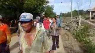 WAPDIS COM Detik Detik Penyerangan Parean Vs Bojong Puluhan Rumah Hancur
