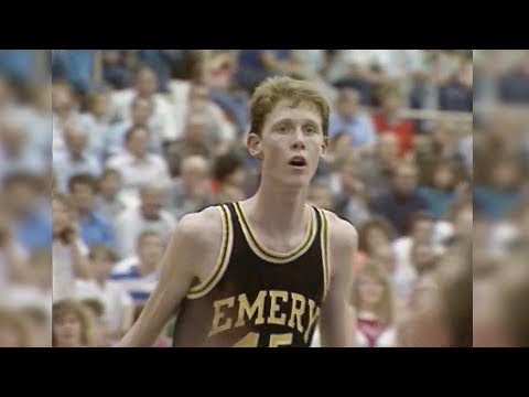 1988: Shawn Bradley learning to deal with nationwide fame in a small town