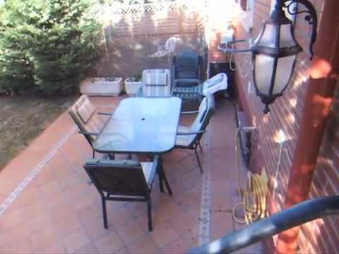 Adosado con jardin privado de 100 metros y bodega youtube for Piscina en jardin de 100 metros