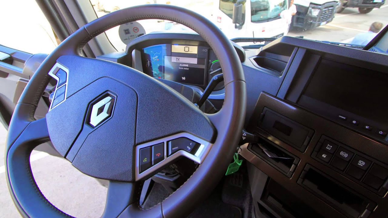 Renault t520 youtube for Renault range t interieur