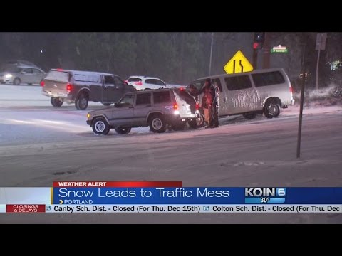 Snowstorm hits Oregon, making travel treacherous