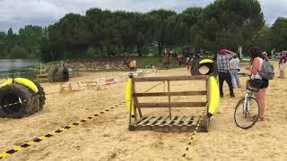 Le parcours d'obstacles sur la plage de la Banana Race