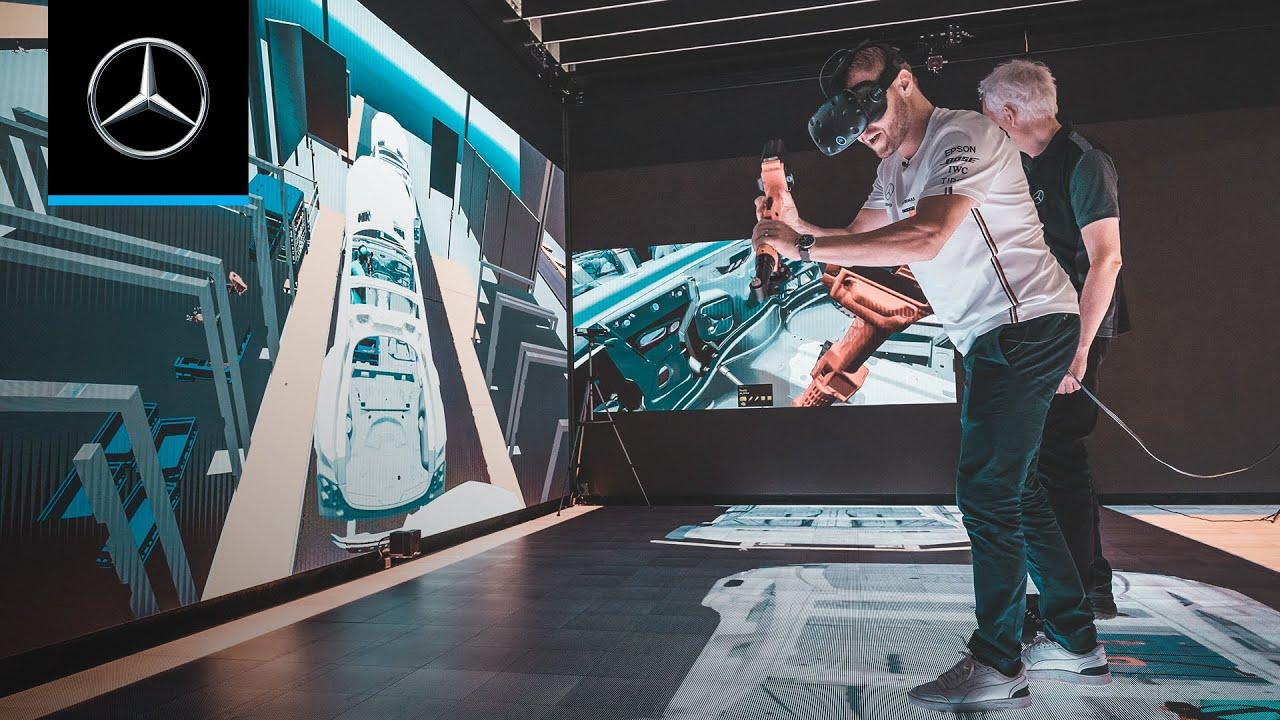 Valtteri at the Virtual Assembly Station at Mercedes-Benz Sindelfingen
