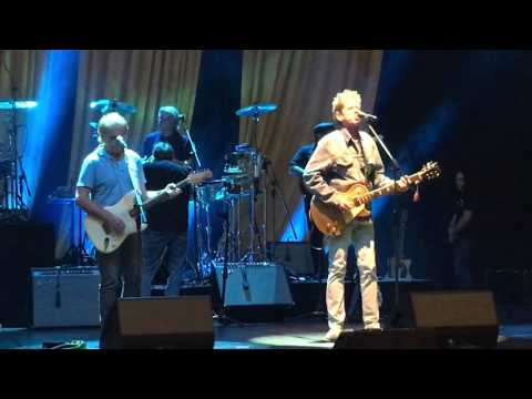Brian Wilson - Sail On Sailor (With Al Jardine & Blondie Chaplin. Live sound check. Perth, WA 2016)