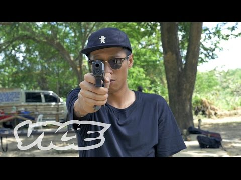 The Chinese Expat Running an Underground Gun School