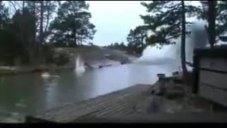 【 衝撃映像】川に雷が落ちると?! Lightning strikes in the river!? thumbnail