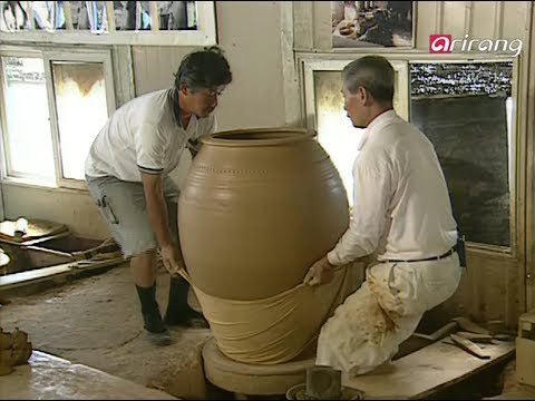 """Onggi""Life Made of Earth and Fire:Traditional Korean Pottery with Kim il Maan"