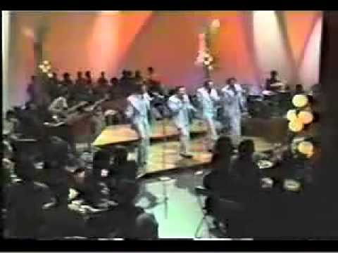 THE SPINNERS- COULD IT BE IM FALLING IN LOVE 1973 LIVE